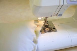 Jasna`s Kreativ-Werkstatt: Kissen mit Zirbenholzspaene