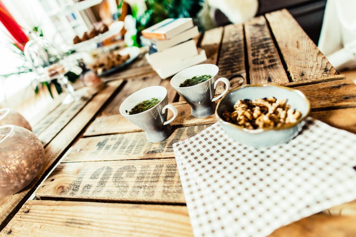 Jasna`s Kreativ-Werkstatt: Couchtisch aus alten Kisten