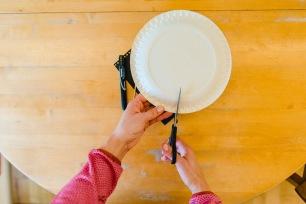 """Jasna`s Kreativwerkstatt in der Kinderbeilage """"Allgäu-Kids"""" der Allgäuer Zeitung: Pandabär-Maske Foto: designerweise"""