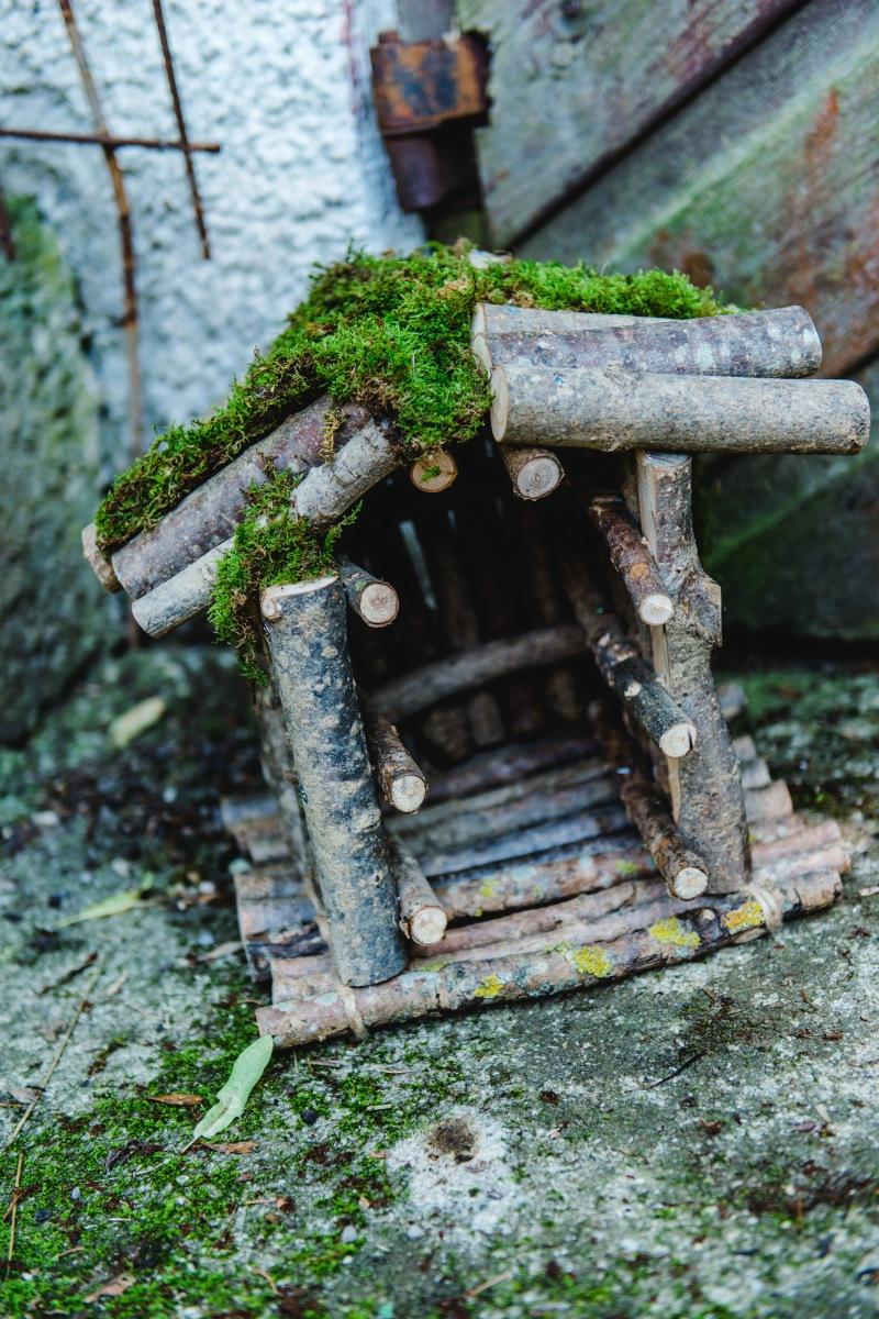 Jasna`s Kreativwerkstatt: Vogelhaus aus Ästen Foto: designerweise