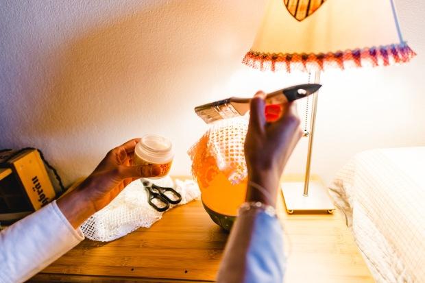 Jasna`s Kreativwerkstatt: Upcycling Kerzendeko aus Spitze Foto: designerweise